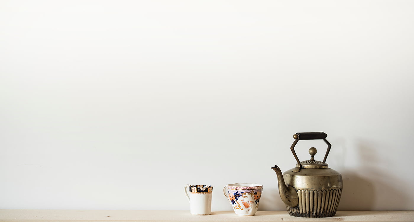 teapot and two teacups